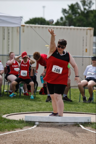Lenoka competing in Shot-put